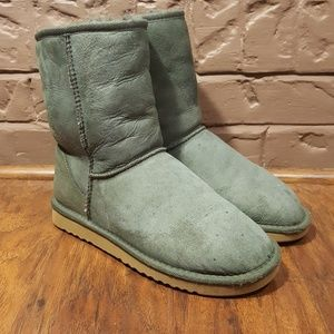 UGG Women's Classic Short Leather Boots, Size 6